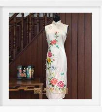 金线绣牡丹手工旗袍