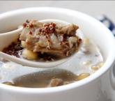红藜麦黄豆排骨汤