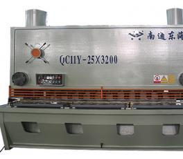 QC11Y-25X3200剪板机