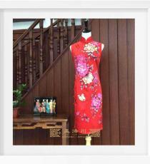 大红手绘牡丹真丝手工旗袍
