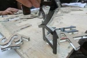 PVC割字 雕刻价格表