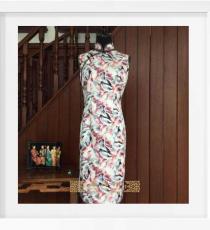 喷绘羽毛手工旗袍