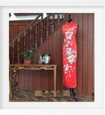 红色长款绣牡丹手工旗袍