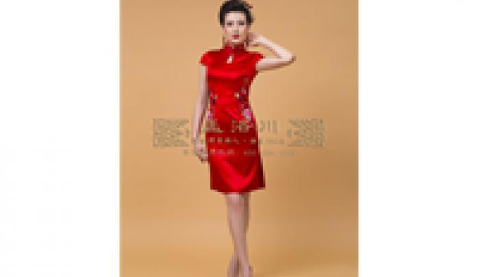 手工刺绣婚礼旗袍